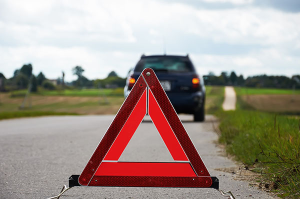 breakdown recovery sign on road